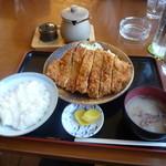 ドライブイン田村 - とんかつ定食