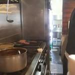 肉バル 310 - 網焼きの後、オーブン焼きの2段階か?