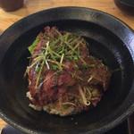 ステーキ食堂 BECO - 特選ハラミステーキ丼(950円)。