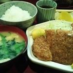 おふくろの味 みゆき - とんころ(トンカツとコロッケ)定食 700円