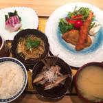 魚肴おばんちゃい - 日替り定食 864円 CP超高