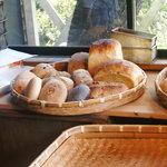 石窯パン工房森のおくりもの - パン