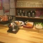 51705858 - 新鮮な魚と大皿料理