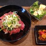 51709467 - ローストビーフ丼 1000円