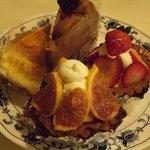 チェック - チーズケーキ・イチヂクのタルト・苺のタルト・生チョコケーキ