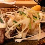 根室食堂 - まぐろほほ肉