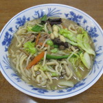 魚魚 - 料理写真:木のこが沢山はいつたチャンポ¥750