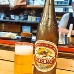 からし志 - お店の名物「瓶ビール(大瓶)」380円