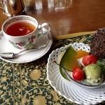 51722946 - 紅茶と黒胡麻のブランマンジュ