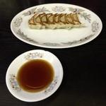 51723662 - ラーメンセットの餃子