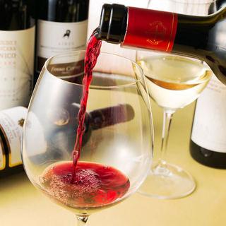 イタリア産を中心に厳選したワイン20種類~ボトル2500円~