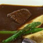 蕎麦処 瑠瞳 - ビーフシチューのアップ