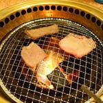 あわじ和牛亭 - 黒タンと上モモじゅーじゅー