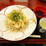 51729840 - 本日の天ぷら うどん又は蕎麦又はお重¥1200