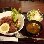 5173043 - ビフテキ丼