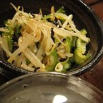 和伊菜わいな - ゴーヤともやしの切り昆布のナムル