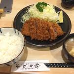 とん亭 - ロースかつ定食