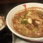 辛獅子 - 辛麺10辛とちび月見軟骨丼のセット◎