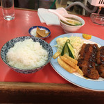 五眠飯店 - トンカツ定食¥880円