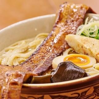 島豚家 - 料理写真:特製炙り島豚そば