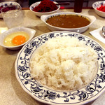スマトラ - 2014.12.25 「大盛」+生たまご(大盛はカレーを別皿で提供)