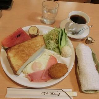 泉 - <2016年6月・再訪> モーニング550円(税込)。7時から11時まで、モーニング