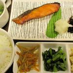 エヌズコート - 焼魚御飯