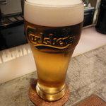 hoopla - ビールはCarlsberg。ptで。