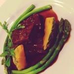 ノブレス オブリージュ - 和牛ほほ肉の赤ワイン煮込み