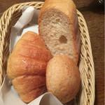 あさくま - 料理写真:セットのパン