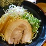 一松家 - 料理写真:夏限定    魚介豚骨つけ麺\788税抜き