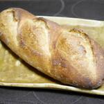 小麦と酵母 満 - バタール¥260