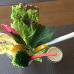 51772653 - ランチにて。有機野菜のバーニャカウダ風。お野菜がとてもおいしい!