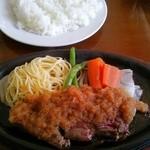 ステーキ たじま家 - 料理写真:サービスランチセットのステーキ