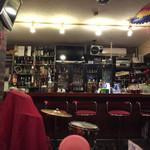 おさむの店 - 店内、イタリアンではないかな? メインは夜。オールディーズのライブ?いつもはカラオケ?