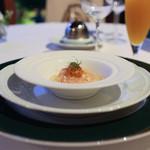 レストラン プランデルブ北鎌倉 - アミューズ:トマトのムース透明なジュレ、北海道産雲丹を添えて☆