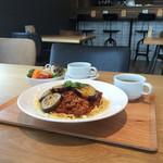 FLAT CAFE - パスタセット(ナスのやみつきボロネーゼ) ¥700-