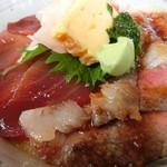 ごはん処 みなと屋 - 料理写真:上州和牛とまぐろの2色丼