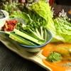 南州酒場 てげてげ - 料理写真:アボカドとキムチの手巻サラダ