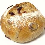 白殻五粉 - クランベリーとくるみのライ麦パン(\289)