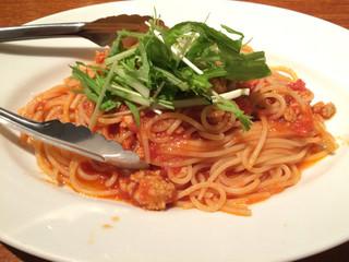 チャオベッラ - 鶏挽肉とトマトソースパスタ