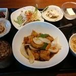 51821219 - 華ランチ、主菜を酢豚で【2016.5】