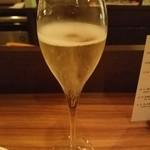 51821341 - スパークリングワイン