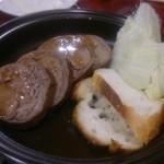 鉄板焼神戸Fuji - お肉のケーキ