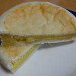 パン屋ドンチャバラ - いも平 110円(税別)。