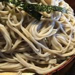 藤蔵屋 - コシのある平打ち麺です!