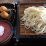 めん処大助 - 料理写真:おろしざるうどん=450円 いなり 2ケ=140円