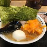 らーめん 門 - 料理写真:オープン当初 門スペシャル(トッピング:肉団子、厚切りチャーシュー、卵、海苔)