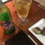 チャイニーズファン よだれ鶏 - 青島ビールとお通し
