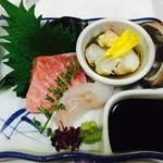 51829325 - 大間生本マグロ、五島ハタ、三重活トコブシ、美味しいワカメ
